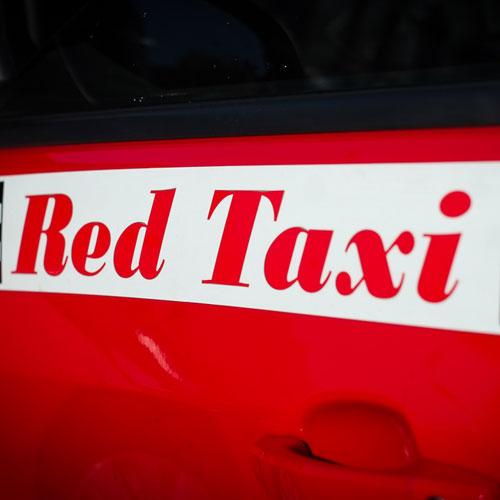 crveni taksi